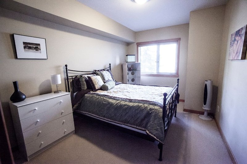 Spacious 3 Bedroom, holiday rental in Canmore