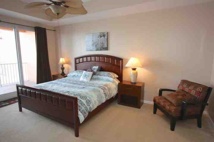 Master Suite with King Bed/Flat Screen Cable TV/Private Access to Waterfront Patio/Luxurious Private Master Bathroom