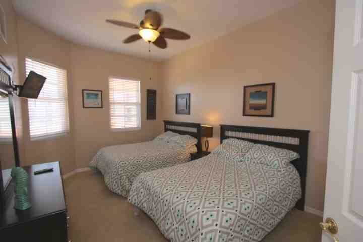 3rd Bedroom with 2 Full Beds/Flat Screen Cable TV