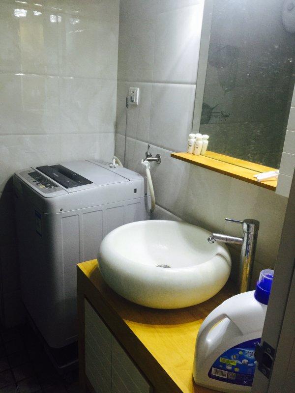je kon je kleren hier te wassen en hebben ook een lekkere douche ruimte. Je voelt je thuis