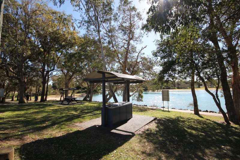 SEA SHELLS  3/18 Aqua Cres, Lake Cathie, holiday rental in Lake Cathie