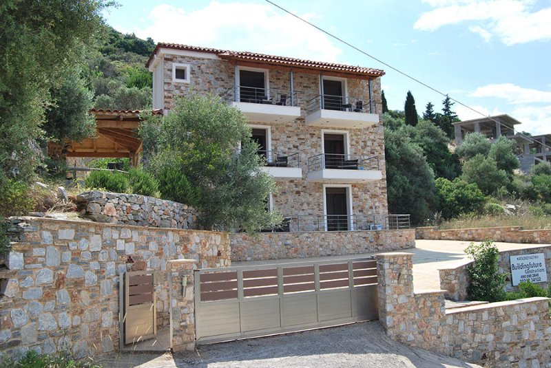 Labetia Apartments, holiday rental in Oxilithos