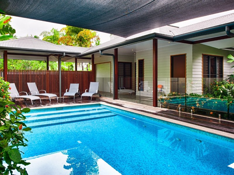 11 Sand Street - 5 Bedroom House by the Beach, vacation rental in Port Douglas