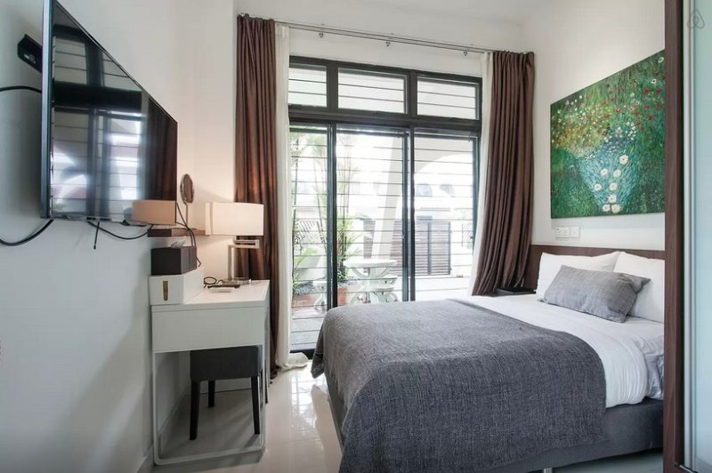 Master Room & private bathroom 1 in Terrace house, holiday rental in Batam Center