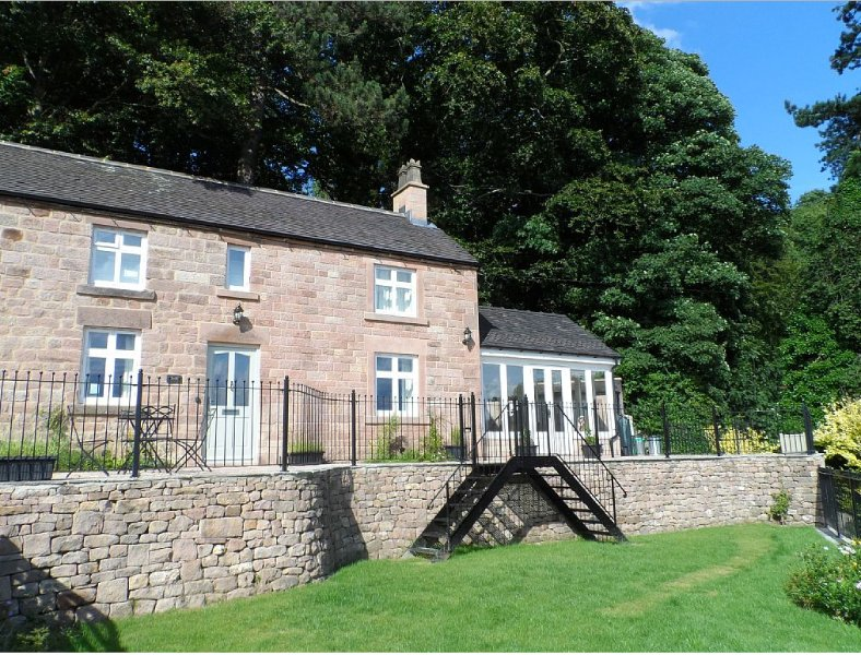 Peak District cottage with great views, holiday rental in Wirksworth