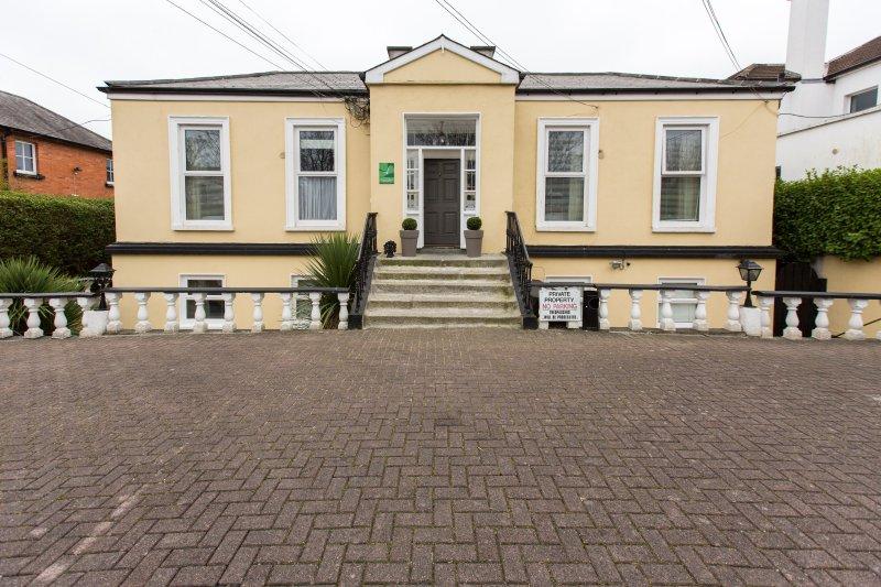 East Park Lodge (Single Studio 1), location de vacances à Rathfarnham