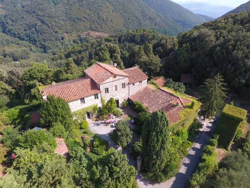 Borgo antico ' IL Borgo del Sole ', alquiler vacacional en Massarosa