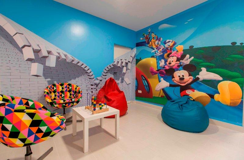 Indoor-Spielbereich für Kinder.