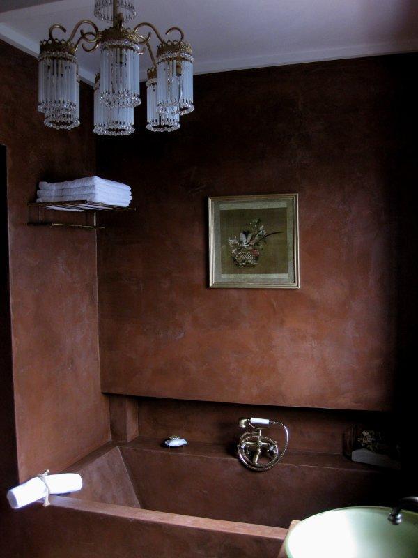 The Sandy Bathroom