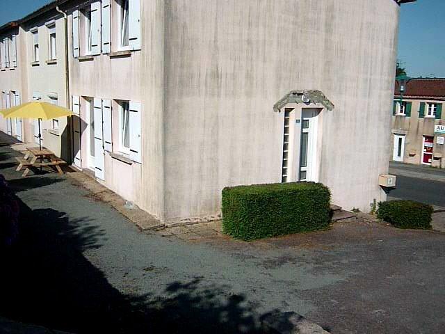 Facade Terrace with garden furniture