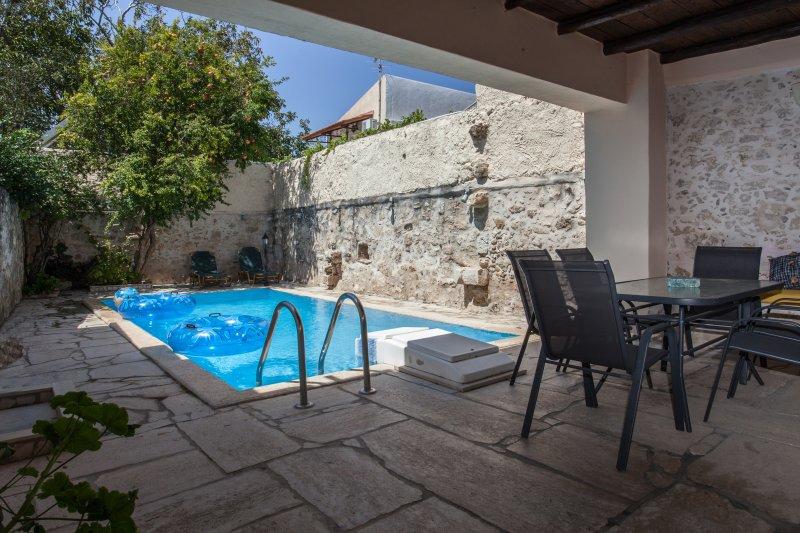 VILLA AIMILIA, holiday rental in Gonia
