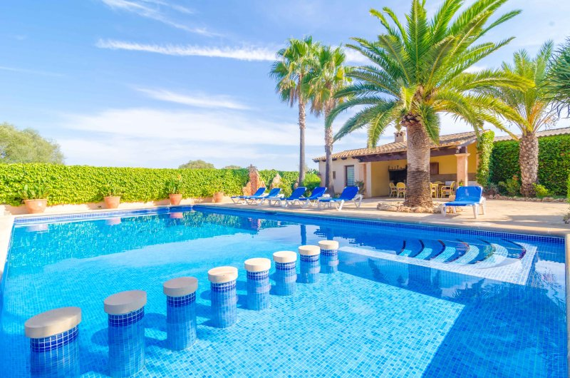 CAN PUÇA - Villa for 6 people in Santanyi, holiday rental in S'Alqueria Blanca