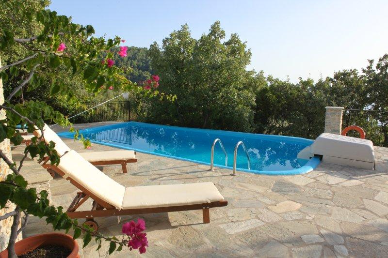 Traditional Pool Villa Maria O, location de vacances à Sporades