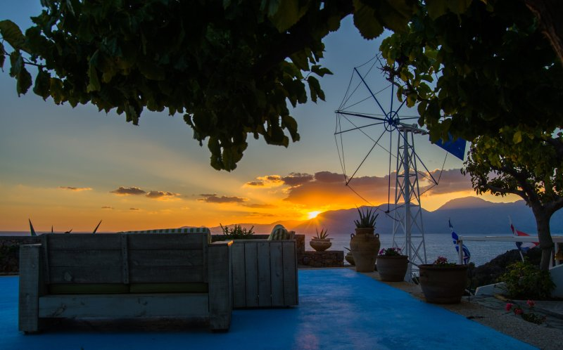Enjoy the breathtaking sunrise and the magical atmpsphere at Panorama Villas!