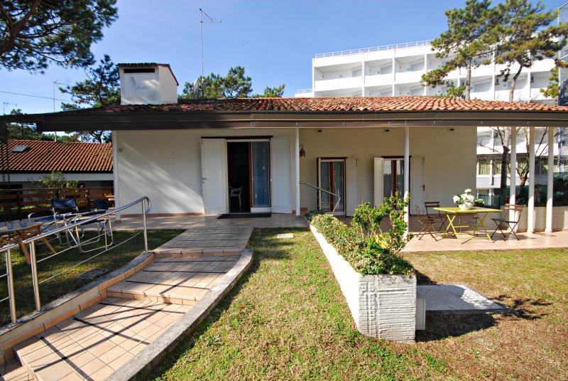 Villa Chiocciola, vacation rental in Lignano Pineta