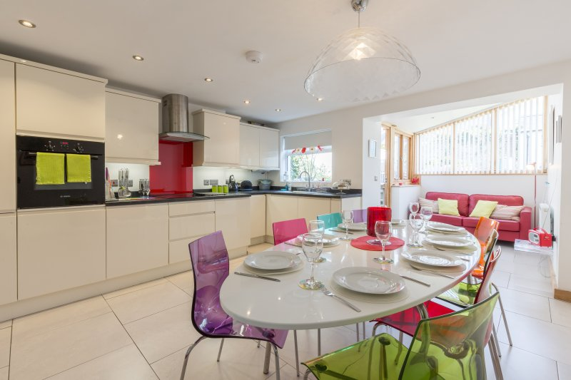 The spacious, modern and bright kitchen diner.