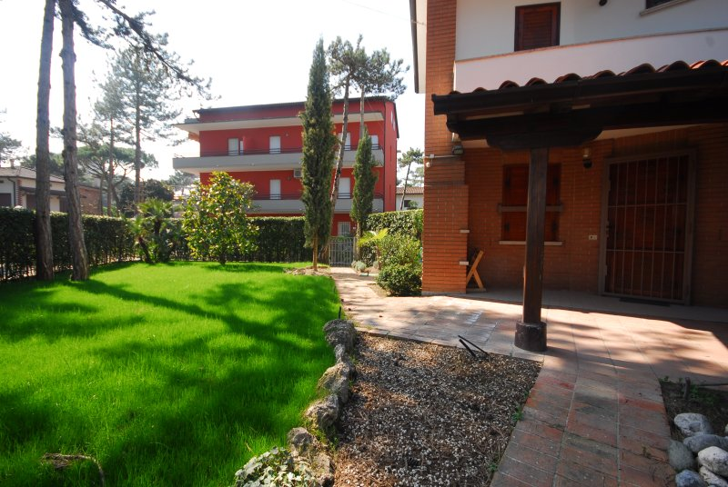 Furnished terrace and garden