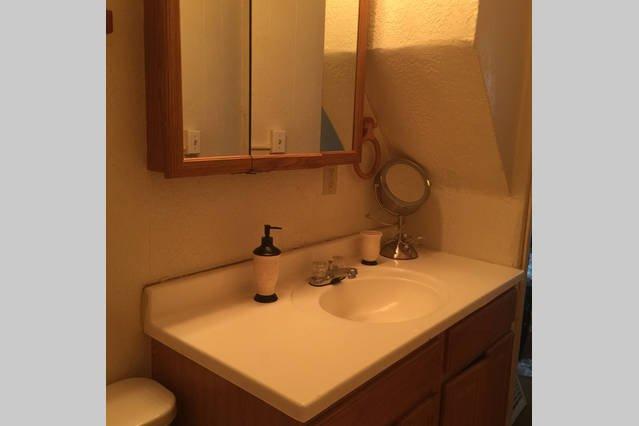 espejo del baño y tocador
