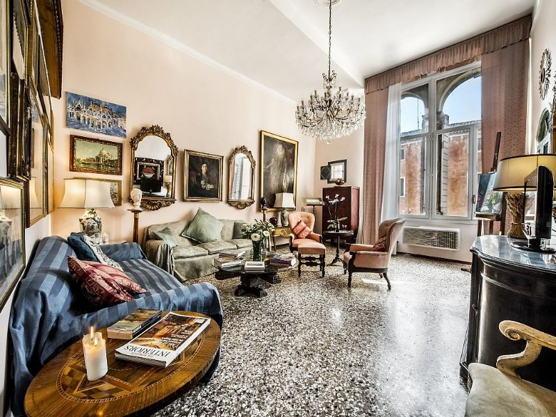 Apartment Palazzo holiday vacation large apartment rental italy, venice, near gr, vacation rental in Lido di Venezia