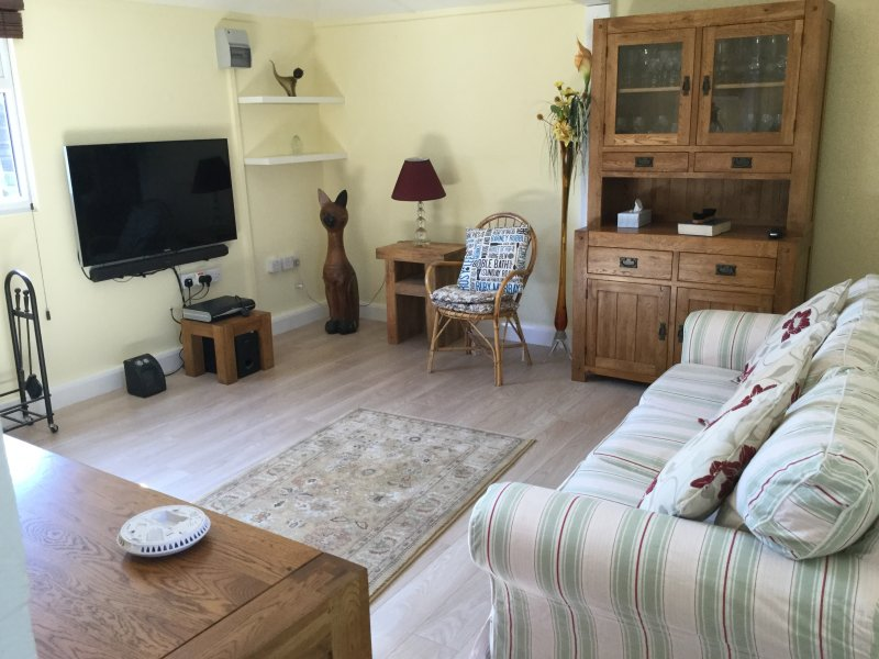 Comfy converted cottage holiday home. Large log burner.