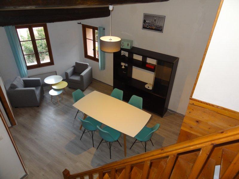 Magnifique duplex dans vieille ville, plage 150m, vacation rental in Collioure