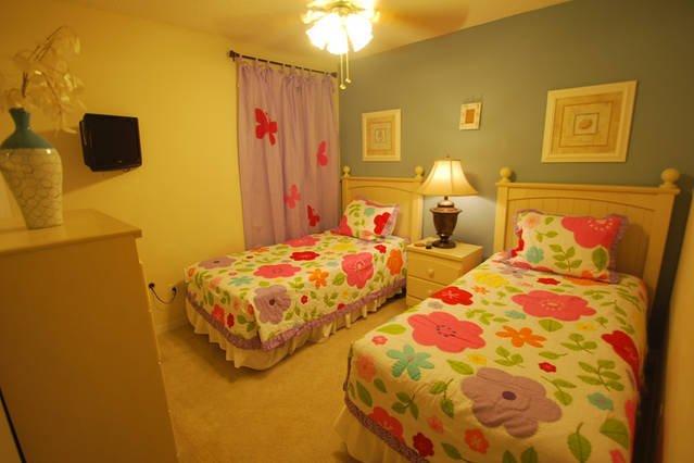 Twin bedroom, 2nd floor