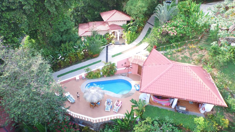 Shelter from the Storm  Villas with Hotel Service, vacation rental in Dominical