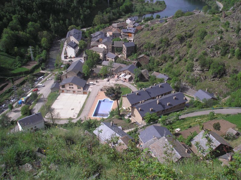 OVERVIEW TAVASCAN VILLAGE LOCATED WITHIN THE NATURAL PARK HIGH PIRINEO.