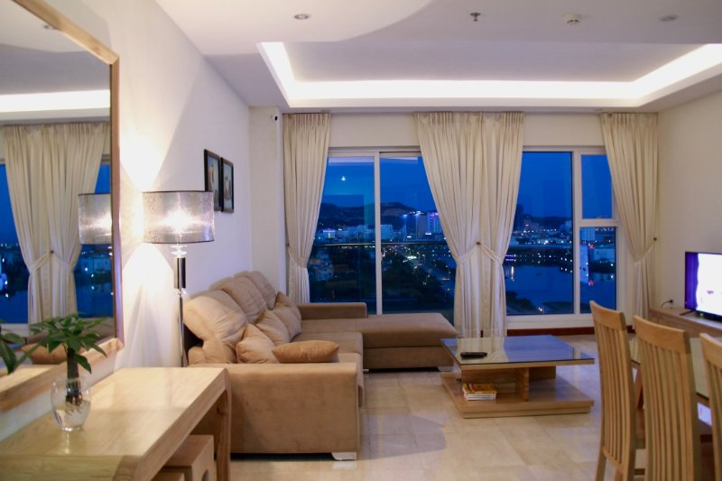 Luxury 2 Bedroom Apartment with Seaview, vacation rental in Halong Bay