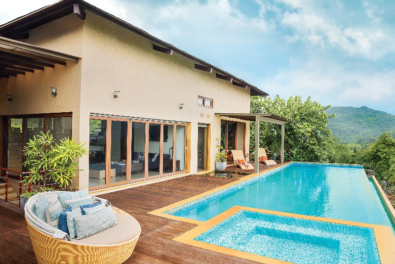 Lower Villa Swimming Pool And Jacuzzi