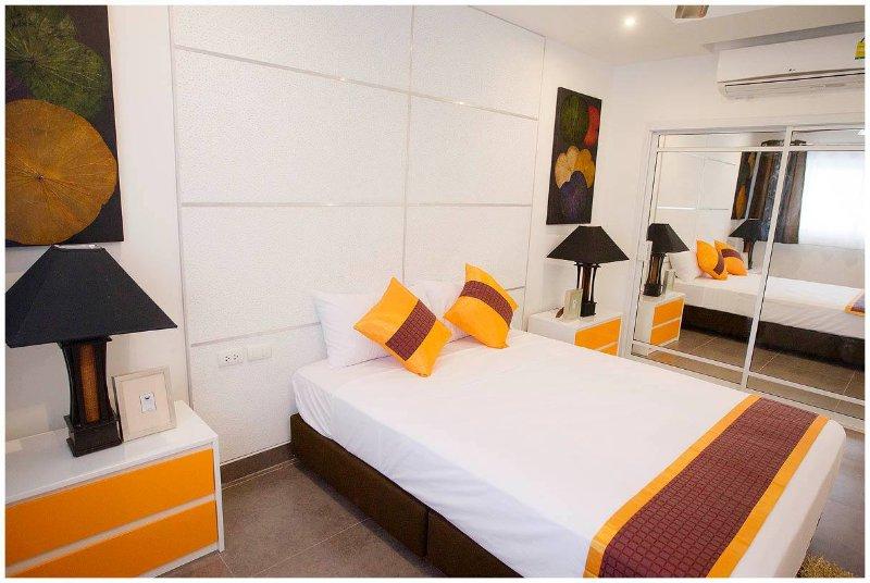 1 BHK Luxury Apartment, aluguéis de temporada em Chonburi