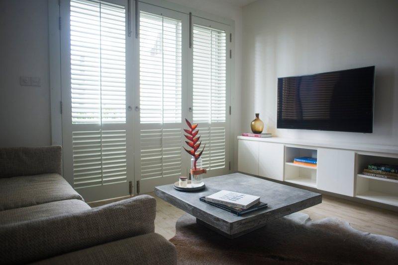 Luxe320 is een volledig gemeubileerd appartement met 2 slaapkamers gelegen in het hart van Colombo.