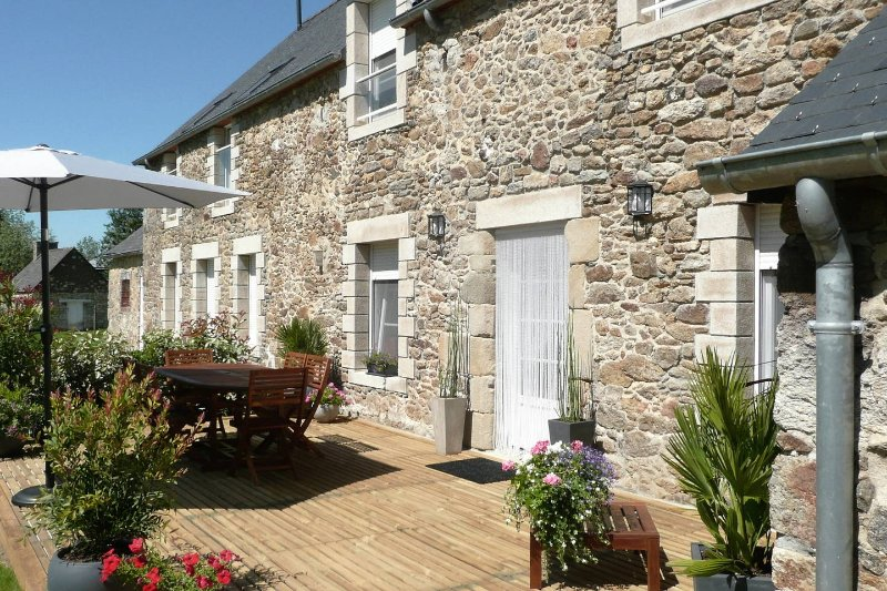 Beaussais sur mer, gîte domaine de la motillais  5' mer, proche St Malo, Dinard, holiday rental in Ploubalay