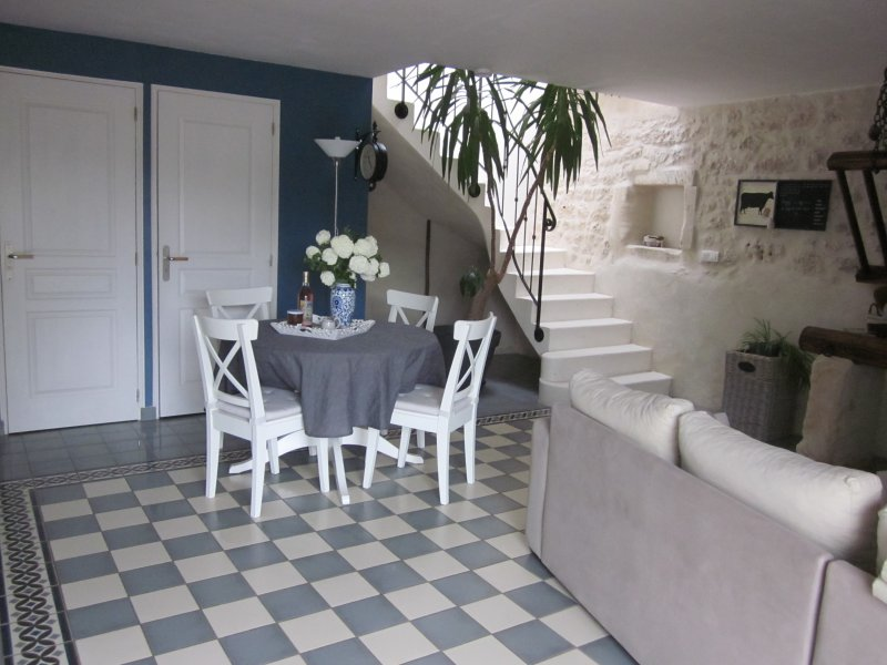 2.Gîte l'Ecurie, holiday rental in Saint Sigismond de Clermont