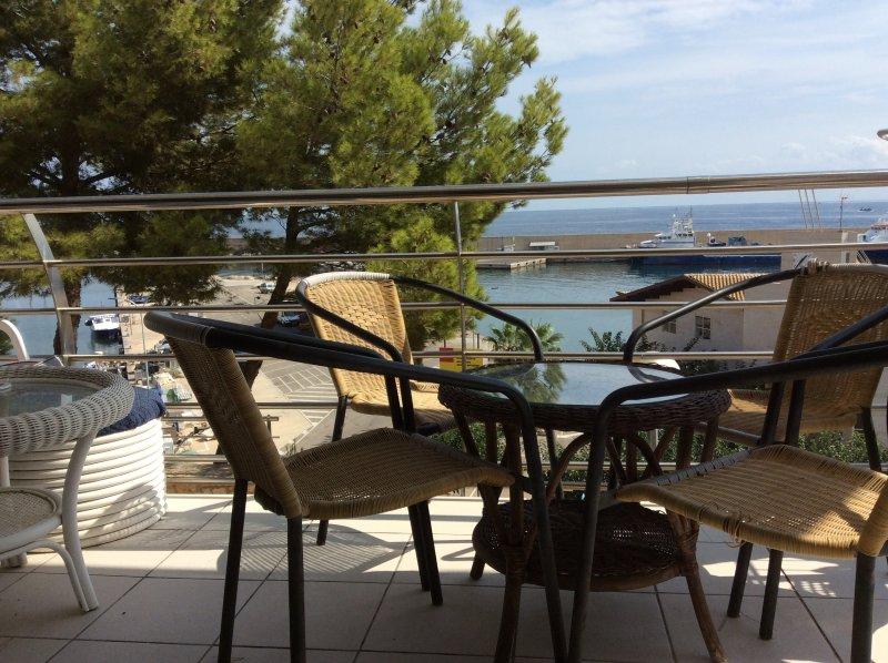 Balcón con vistas a la Marina y vistas al mar