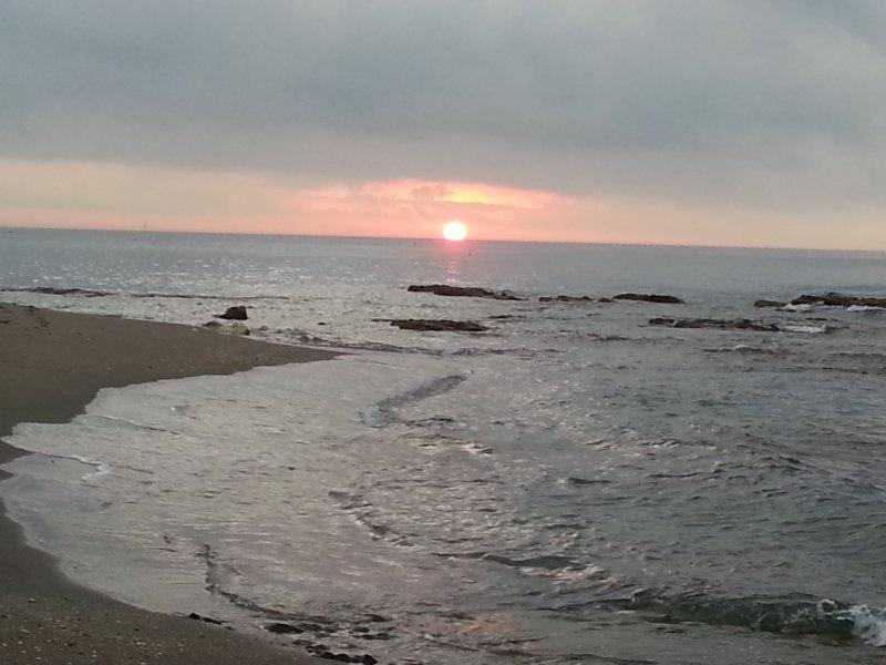 Lever de soleil à la plage en face de Benal Beach
