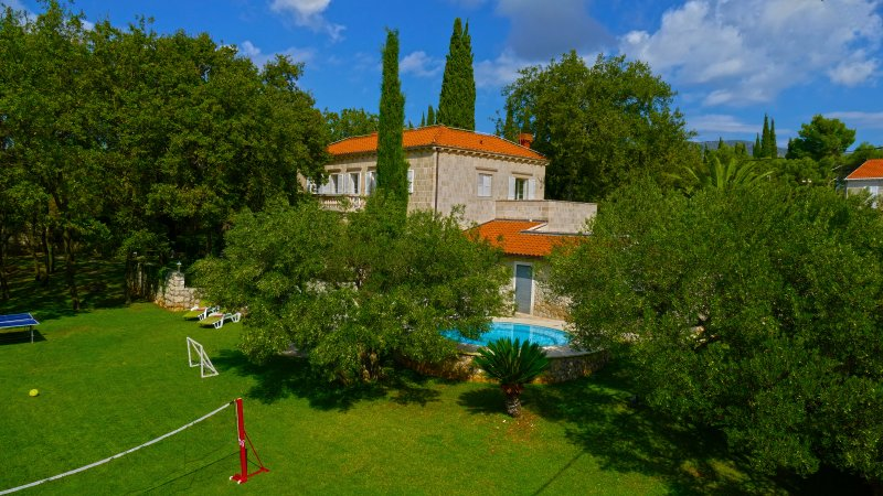 Villa Tereza - feel of nobility, holiday rental in Mocici