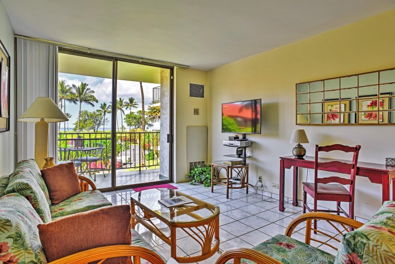 An unforgettable island getaway awaits you at this fabulous Kihei vacation rental condo!