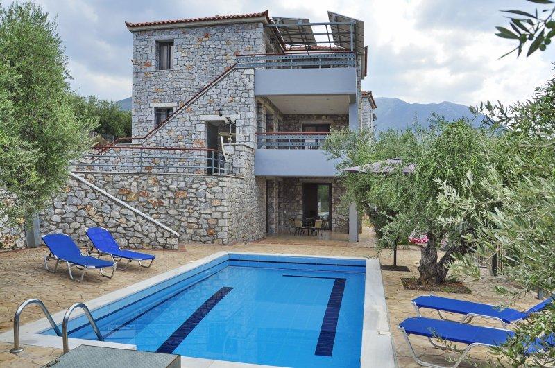 ΕΚΠΛΗΚΤΙΚΗ ΘΕΑ ΑΠΟ ΤΗΝ ΒΙΛΛΑ ΝΙΟΒΗ, casa vacanza a Agios Nikolaos