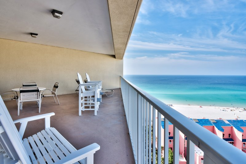 Gorgeous Gulf view from the Huge Balcony!