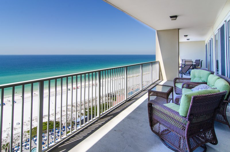 Spectacular Gulf front Views from Balcony!