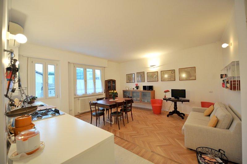 Zimmer und Küche