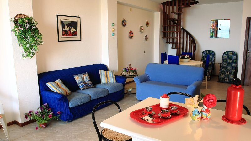 Casa Vacanze La Fonte sul mare di pozzillo, vacation rental in Stazzo