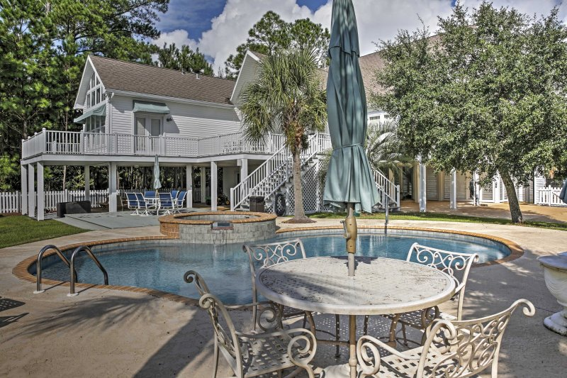 This lavish Pass Christian vacation rental house is ideal for a memorable getaway.