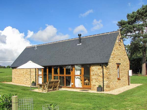 HOOK NORTON BARN, luxury barn conversion, ideal for a romantic break, WiFi and, vacation rental in Sibford Gower