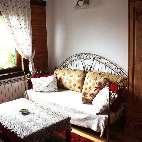 Pokoje Kaja-Flower Room-Suwalki Szelment  & around, vacation rental in Jeleniewo