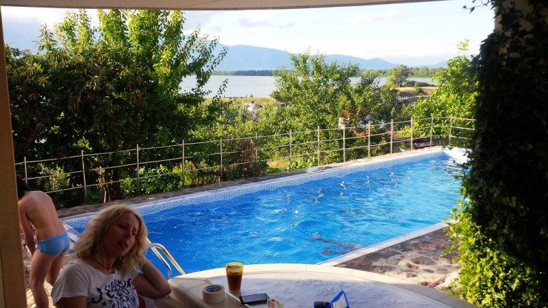Cottage with view to Lake Kerkini, aluguéis de temporada em Kato Poria