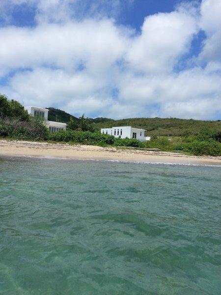 te kijken naar de villa van de zee.
