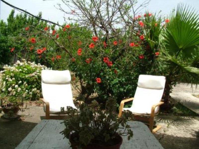 Casa Puccio, Rustico immerso in campi d'aranci, vacation rental in Cartabubbo