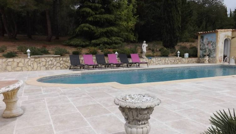 Pezenas French villa to rent with pool